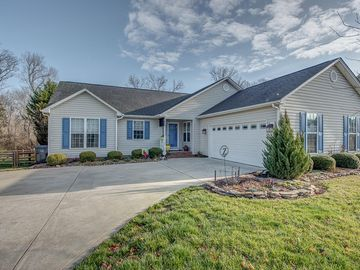4040 Hereford Lane Dallas, NC 28034 - Image 1