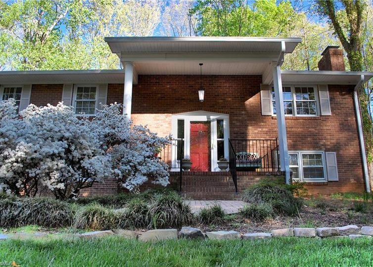 1825 Buddingbrook Lane Winston Salem, NC 27106
