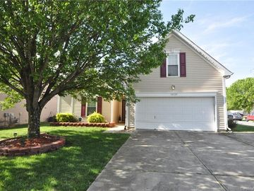 10129 Green Hedge Avenue Charlotte, NC 28269 - Image
