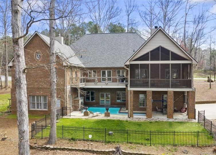 534 Lakeview Shores Loop Mooresville, NC 28117