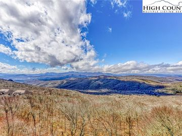 649 Craggy Pointe Sugar Mountain, NC 28604 - Image 1