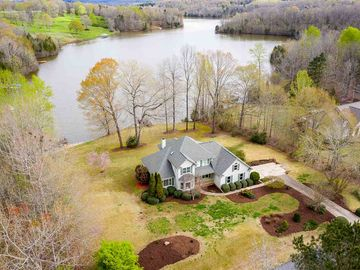 103 Viewpoint Court Laurens, SC 29360 - Image 1
