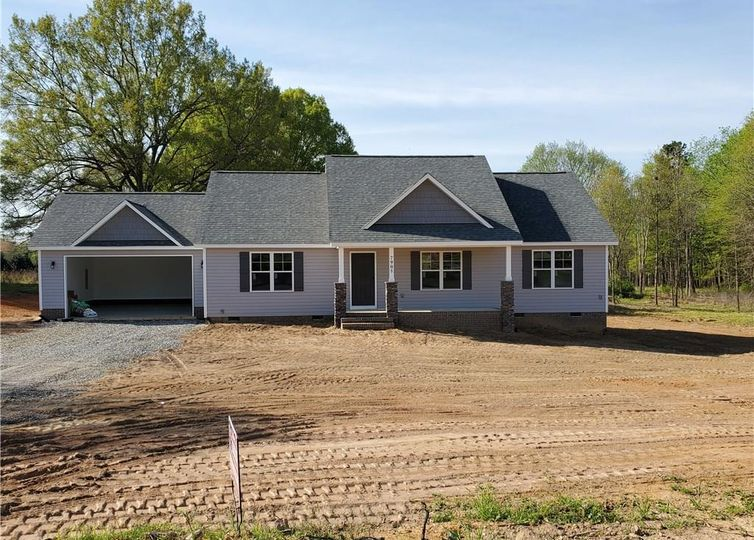 7905 Lester Road Stokesdale, NC 27357