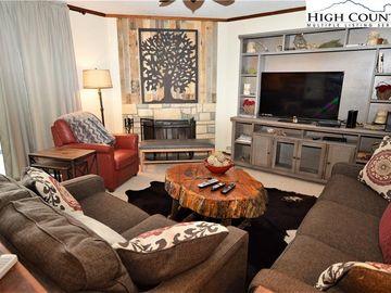 301 Pinnacle Inn Road Beech Mountain, NC 28657 - Image 1