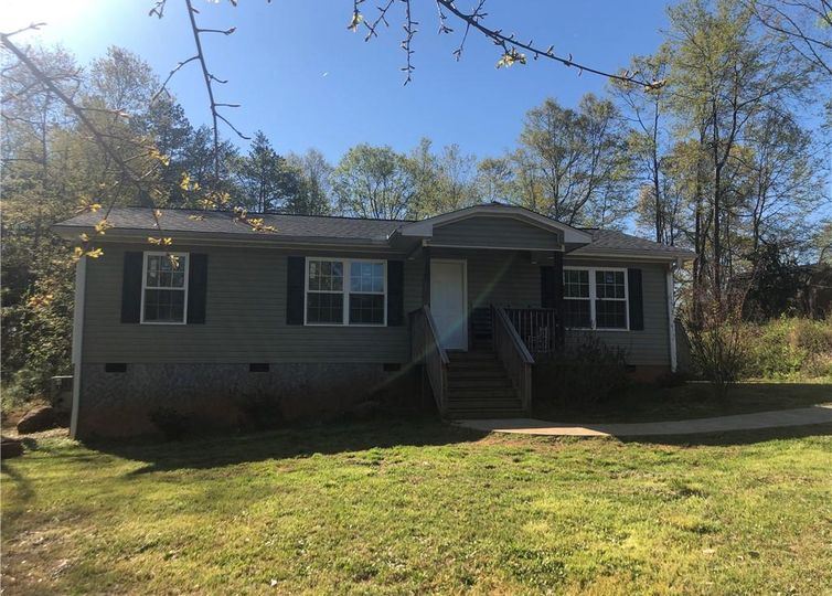 327 Pump House Road Westminster, SC 29693