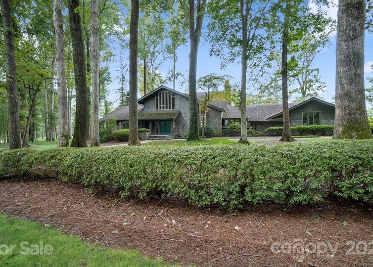 3210 Deauville Place L299-300 Statesville, NC 28625