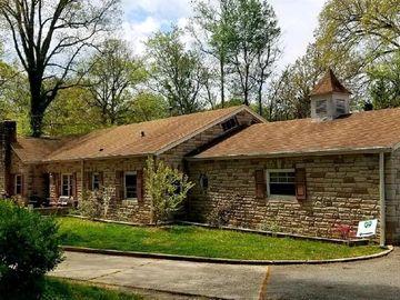 910 Maplewood Court Winston Salem, NC 27103 - Image 1