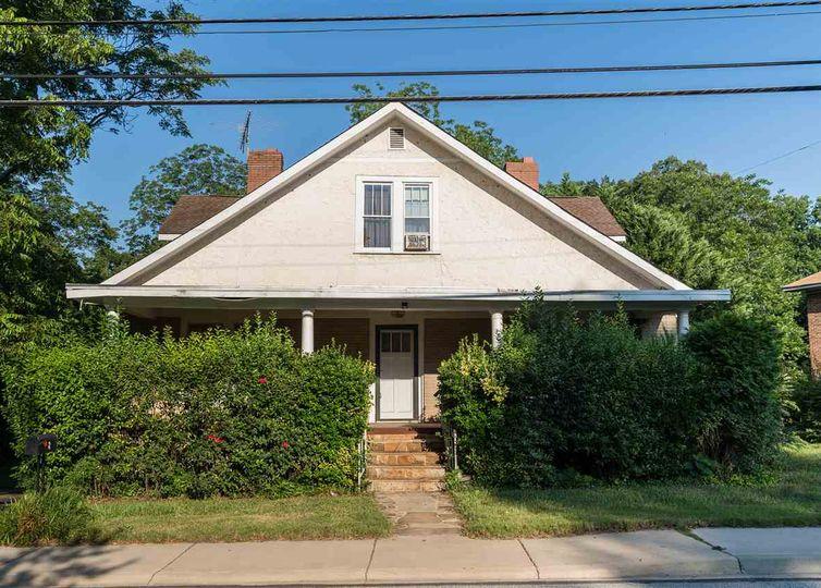 8 Rebecca Street Greenville, SC 29607