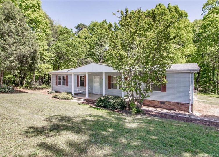 157 Whitman Circle Mooresville, NC 28115