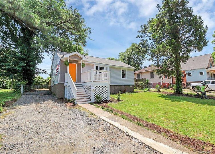 1824 Double Oaks Road Charlotte, NC 28206