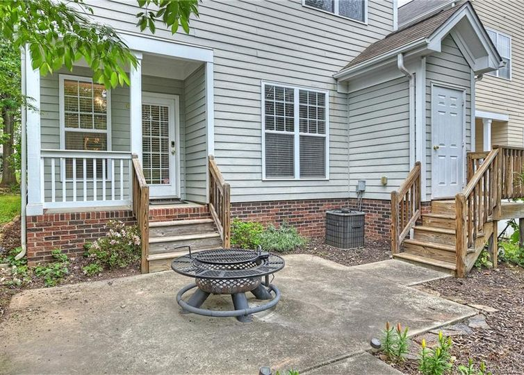 13216 Kennerly Drive photo #1