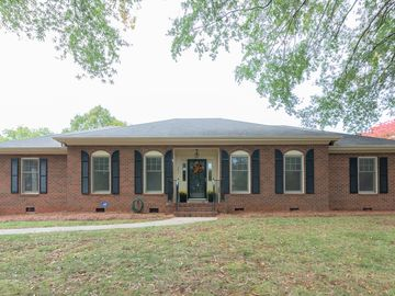 204 Heathcliff Place Winston Salem, NC 27104 - Image 1