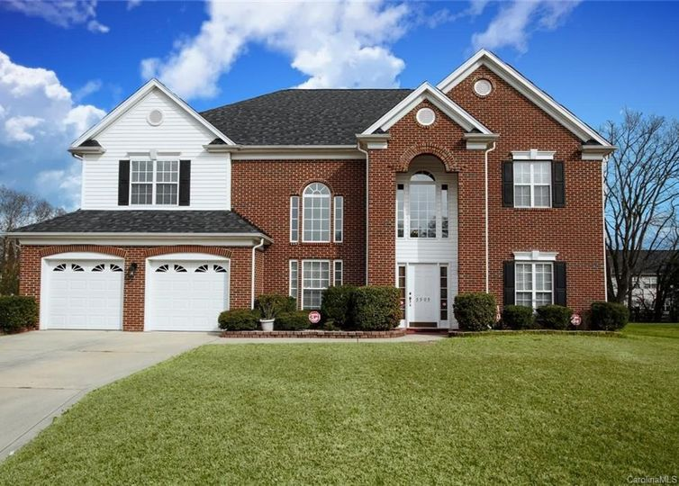 5909 Maple View Place Harrisburg, NC 28075