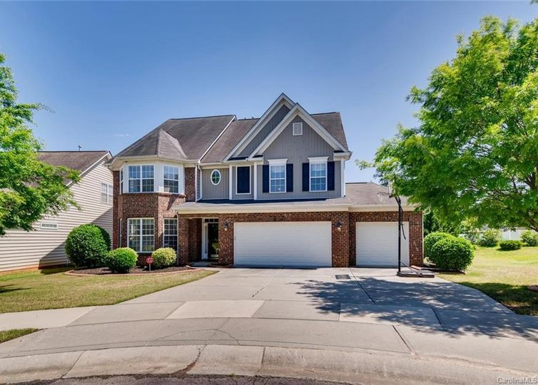 6004 Lillyshire Place Charlotte, NC 28213