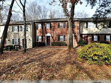 3344 Heathstead Place Charlotte, NC 28210 - Image