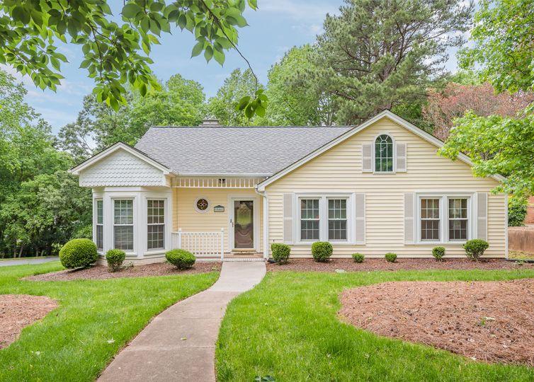 10442 Sardis Oaks Road Charlotte, NC 28270