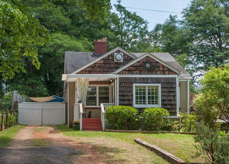16 Dixie Avenue Greenville, SC 29607