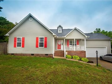 130 Kimberly Court Thomasville, NC 27360 - Image 1