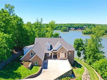128 Harborcliff Drive Statesville, NC 28677 - Image 1