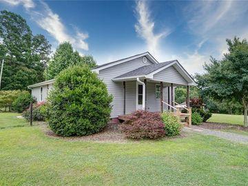 113 White Farm Road Dallas, NC 28034 - Image 1
