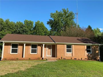 5700 Alanhurst Place Charlotte, NC 28217 - Image 1