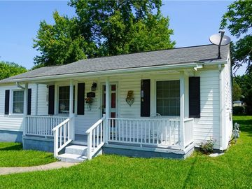 818 Carolina Avenue Thomasville, NC 27360 - Image 1