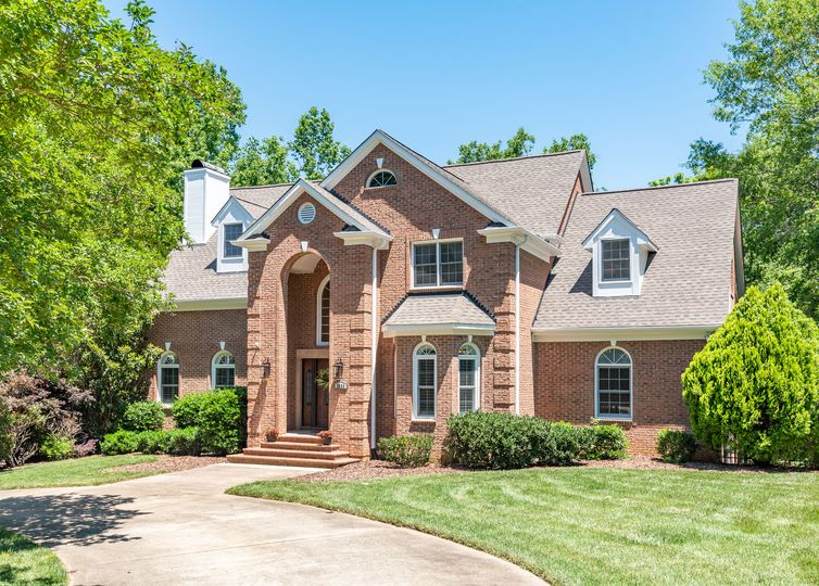 3834 Carmel Forest Drive Charlotte, NC 28226