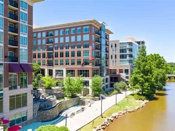 201 Riverplace Way Greenville, SC 29601 - Image 1