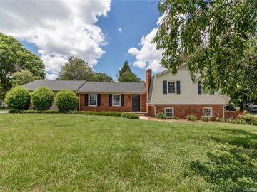 204 Greenbriar Road S Statesville, NC 28625 - Image 1
