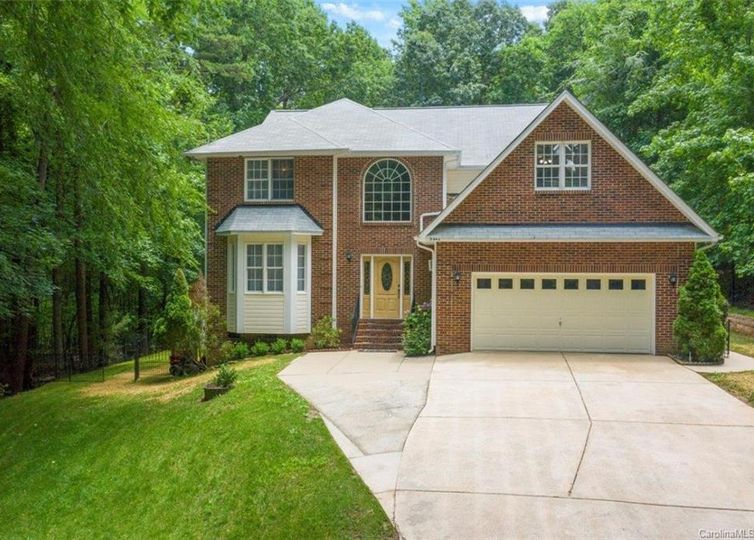 9442 Valley Road Charlotte, NC 28270