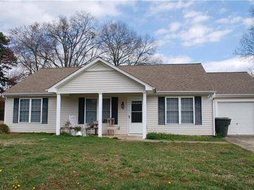 16 Franklinwood Drive Greensboro, NC 27401 - Image