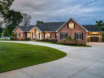 5730 Griffin Point Clover, SC 29710 - Image 1
