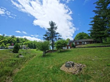 986 Ransom Street Blowing Rock, NC 28605 - Image 1