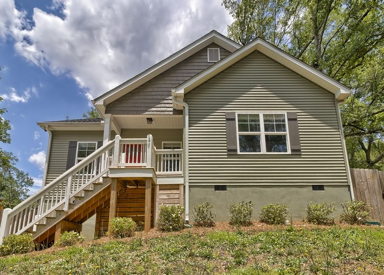 305 Lowndes Hill Road Greenville, SC 29607