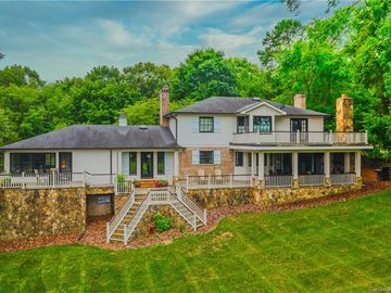 5305 Parview Drive Charlotte, NC 28226 - Image 1
