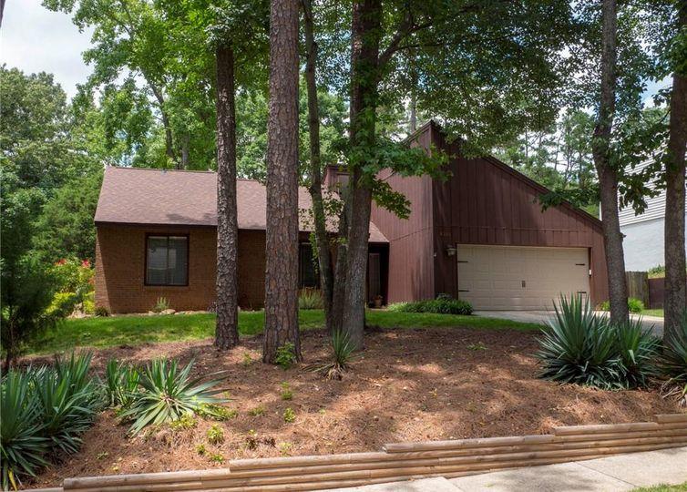 9201 Sardis Forest Drive Charlotte, NC 28270