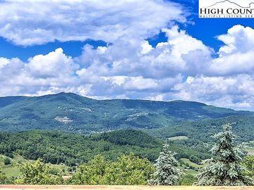 159 Highland Lane Sugar Mountain, NC 28604 - Image 1