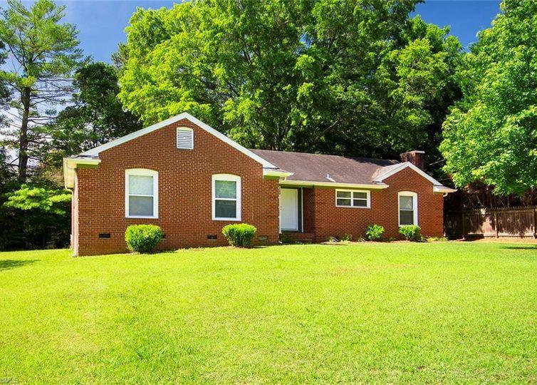 240 Foxcroft Drive Winston Salem, NC 27103