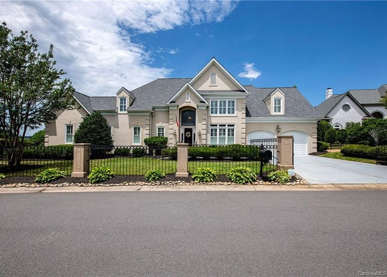 15930 Riverpointe Drive Charlotte, NC 28278