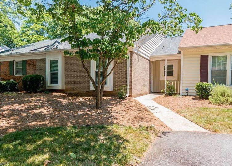 2602 Cottage Place Greensboro, NC 27455
