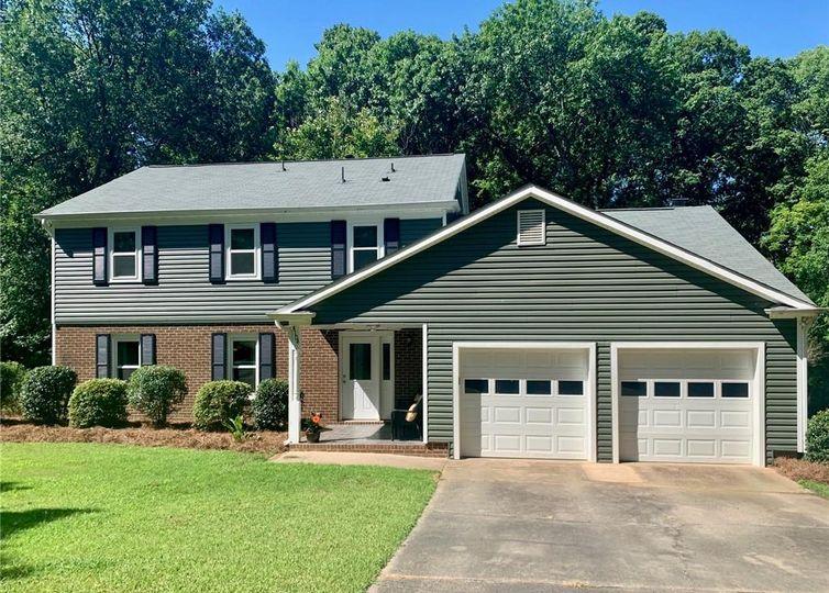 4104 Foxmoor Drive Charlotte, NC 28226