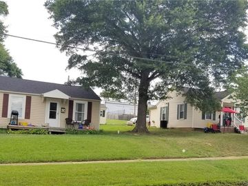 524 and 526 E Main Street Dallas, NC 28034 - Image 1