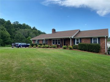 6355 Gough Court Clemmons, NC 27012 - Image 1