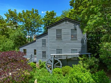 201 Chestnut Drive Blowing Rock, NC 28605 - Image 1