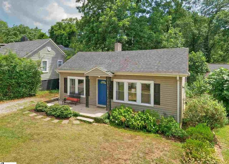 22 Monticello Avenue Greenville, SC 29607