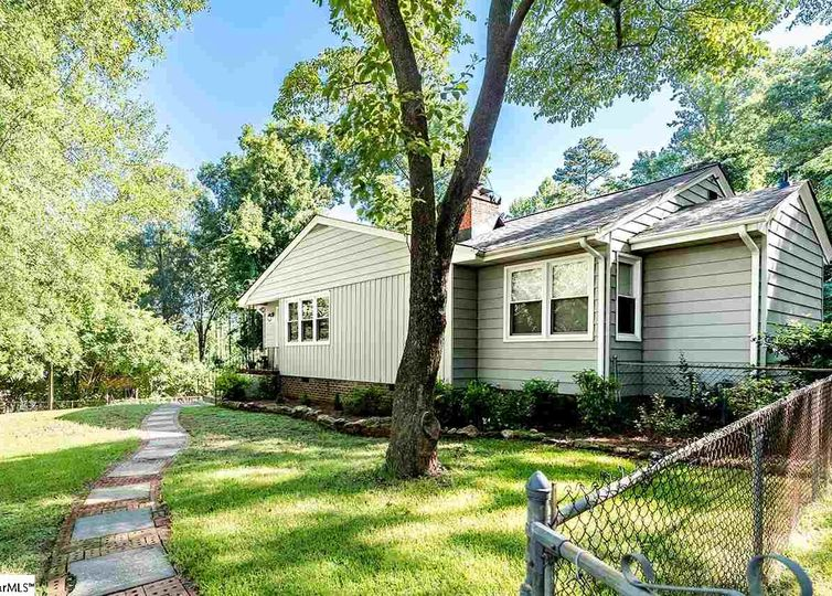 203 Keith Drive Greenville, SC 29607