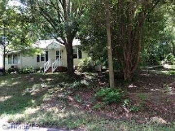 222 S Cliffdale Drive Winston Salem, NC 27103 - Image