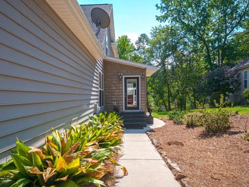 125 Inlet Pointe Drive Anderson, SC 29625 - Image 1