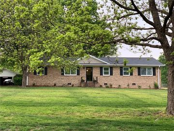 5809 Scarlet Oak Drive Mcleansville, NC 27301 - Image 1