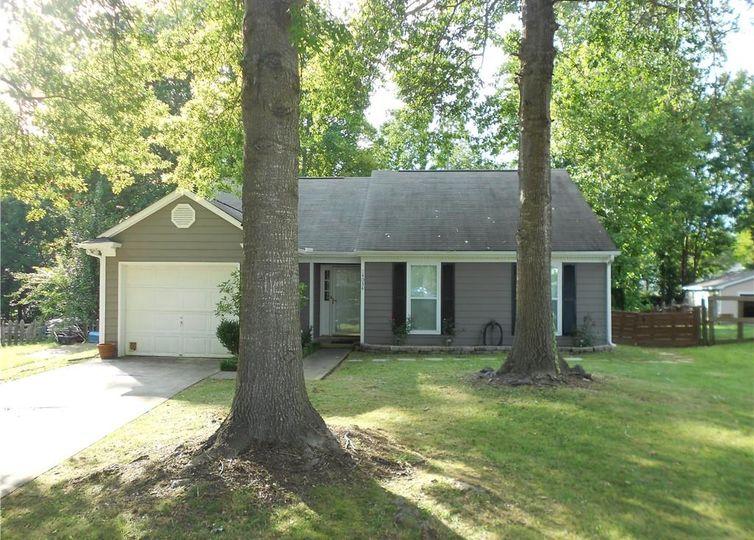 14034 Eden Court Pineville, NC 28134